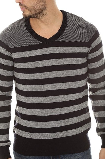 Comment bien porter un pull homme ?